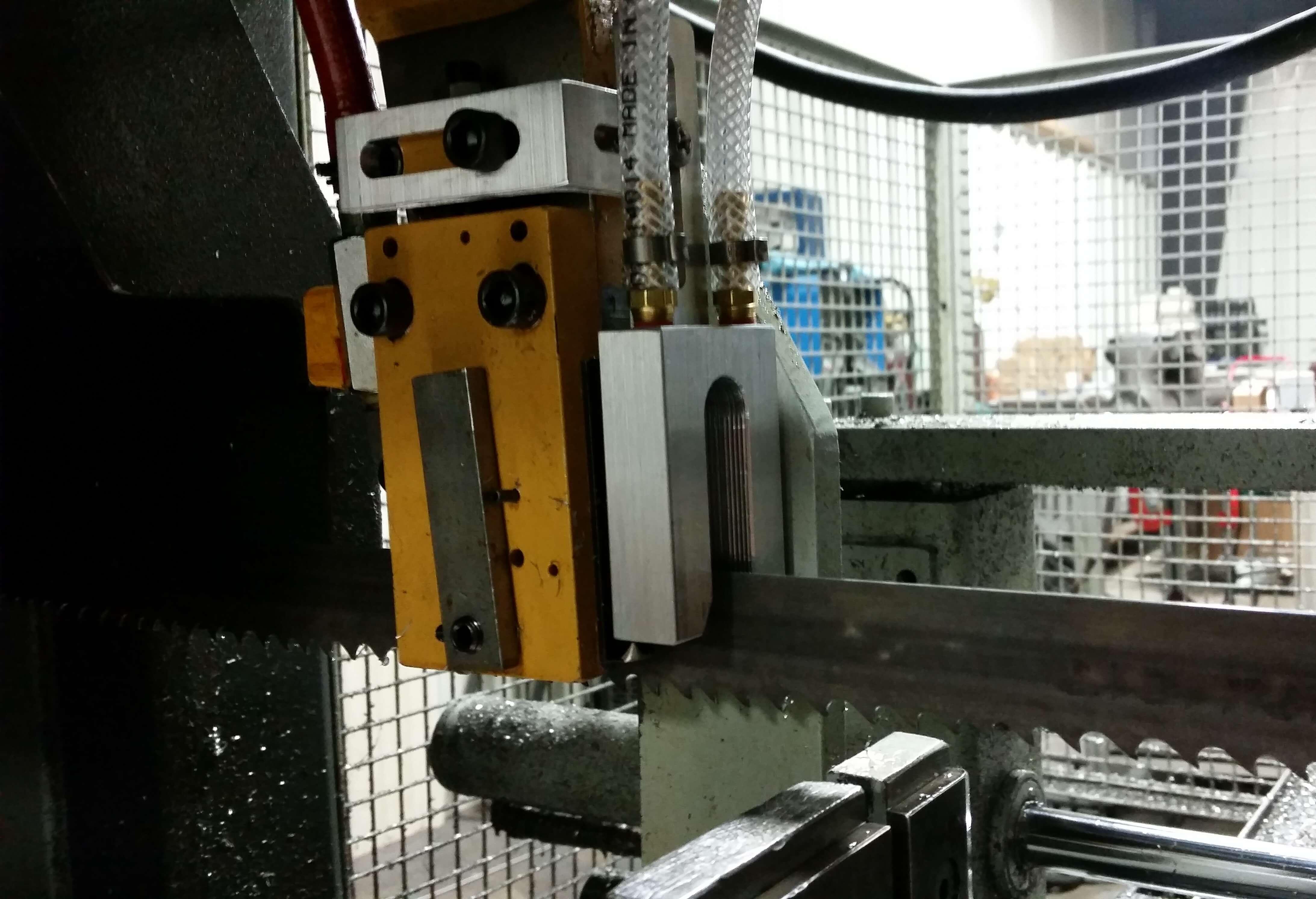 bandsaw lubrication system mql