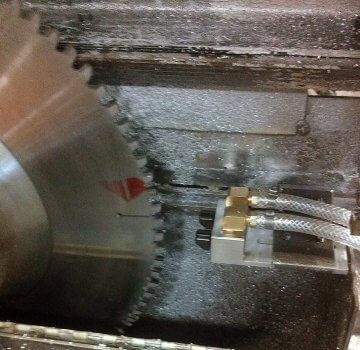 circular saw lubricant application