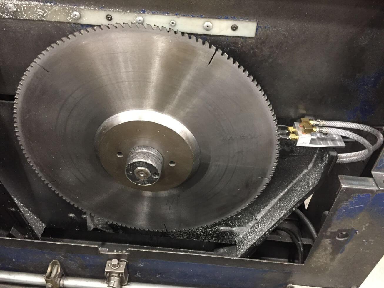 circular saw lubricant system